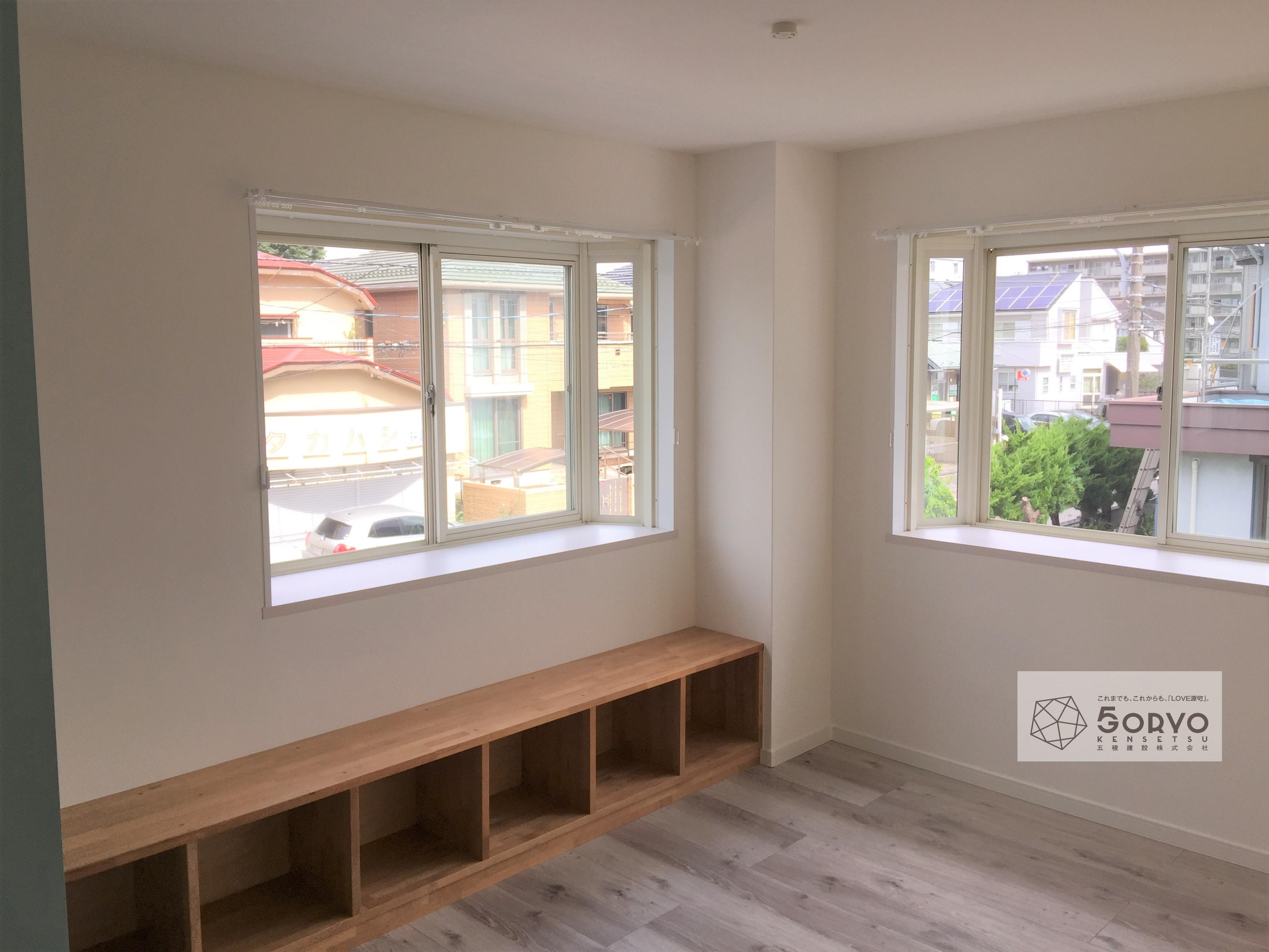 千葉市若葉区 出窓を生かしたワークスペースの設置リフォーム:施工後