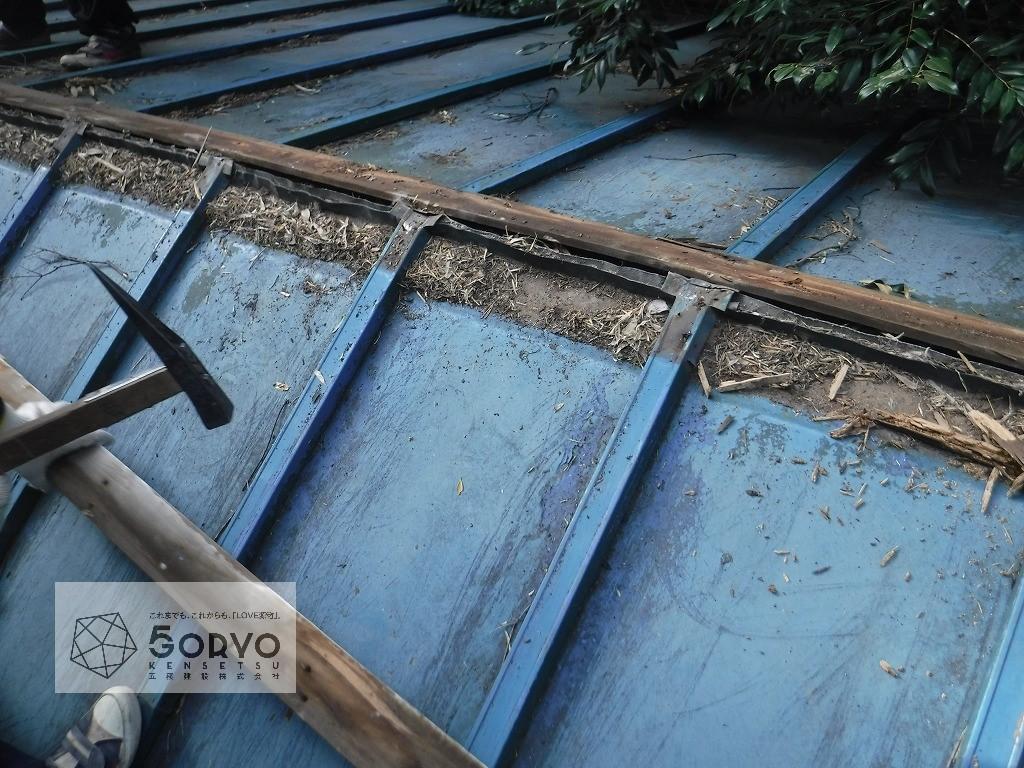 千葉市稲毛区 町の小さな神社の屋根葺き替え補修工事:施工前