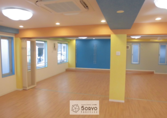 千葉市美浜区ビルを保育園へリノベーション、遊戯室part1